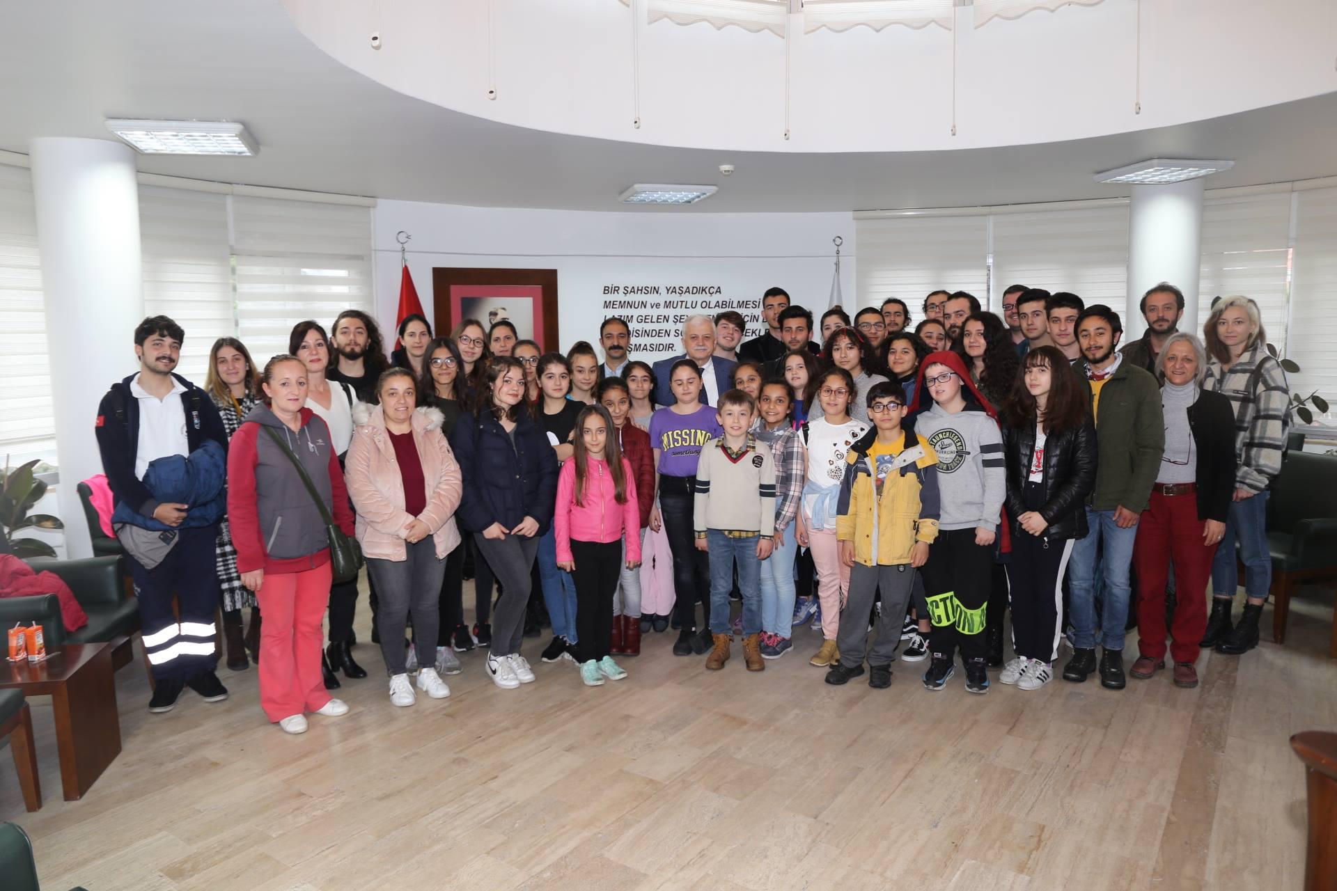 BBKT Oyuncuları Başkan Deveciler'i Ziyaret Etti