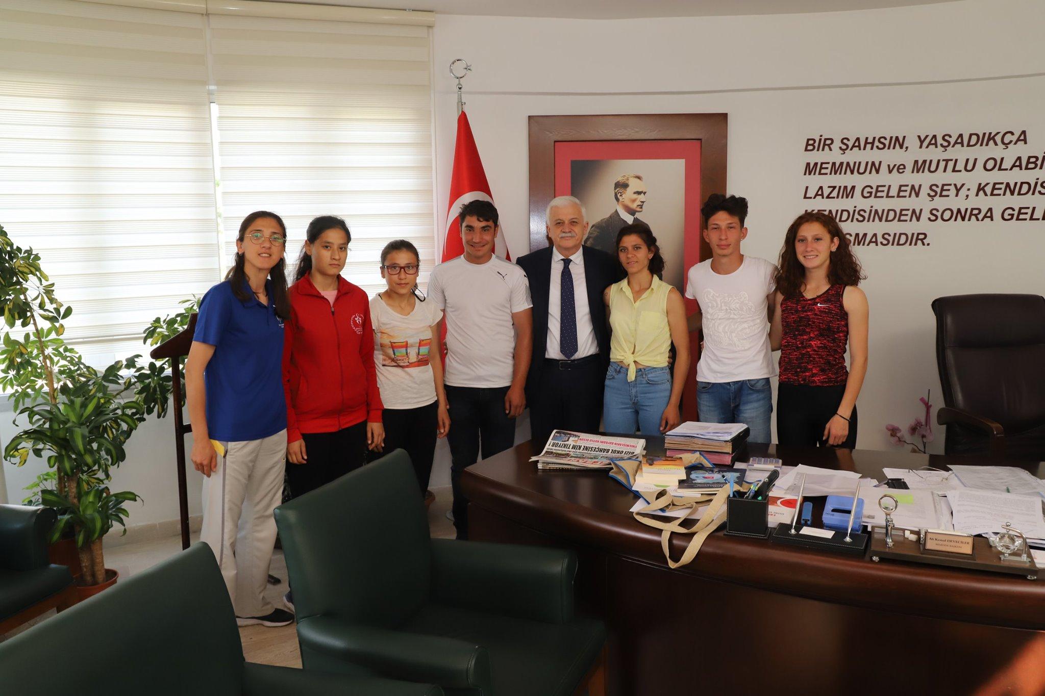 Özel Sporculardan Başkan Deveciler'e Ziyaret