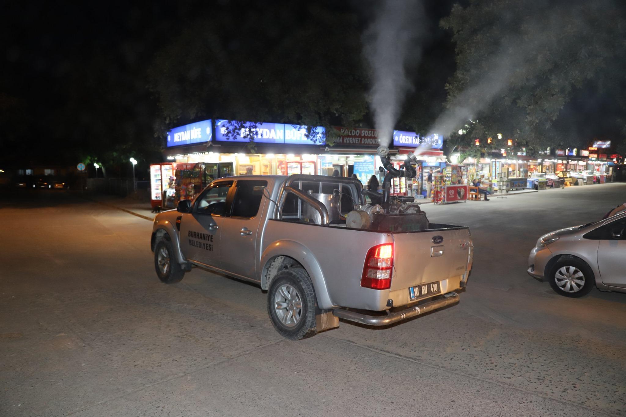 Burhaniye Belediye Ekipleri Sivrisinek Ve Haşereyle Mücadeleye Başladı