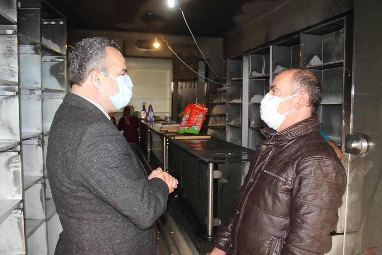 Dükkanı Yanan Esnafa Burhaniye Belediyesi Destek Oldu