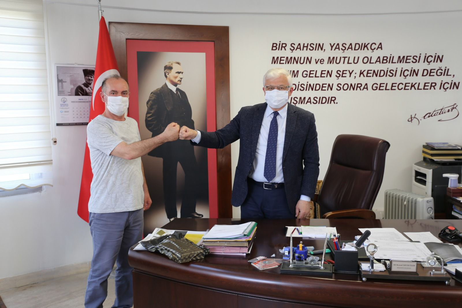 Yanan İş Yeri Yenilenen Vatandaş, Belediye Başkanı Ali Kemal Deveciler 'E Teşekkür Etti.