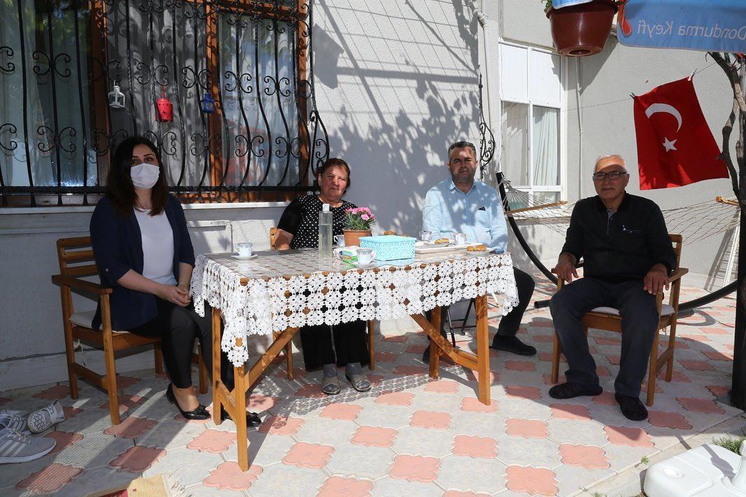 Burhaniye De Şehit Ailelerinin Bayramı Kutlandı