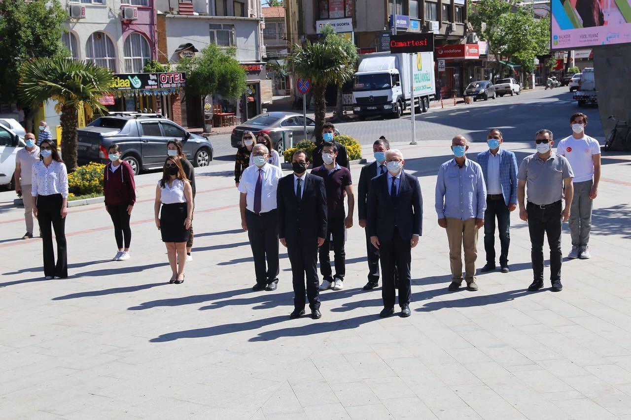 Burhaniye'de Gençlik Haftası Açılışı Yapıldı