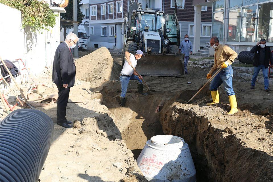"""Burhaniye Belediye Başkanı Ali Kemal Deveciler """"Çay Caddesi Su Taşkınlarından Kurtulacak"""""""