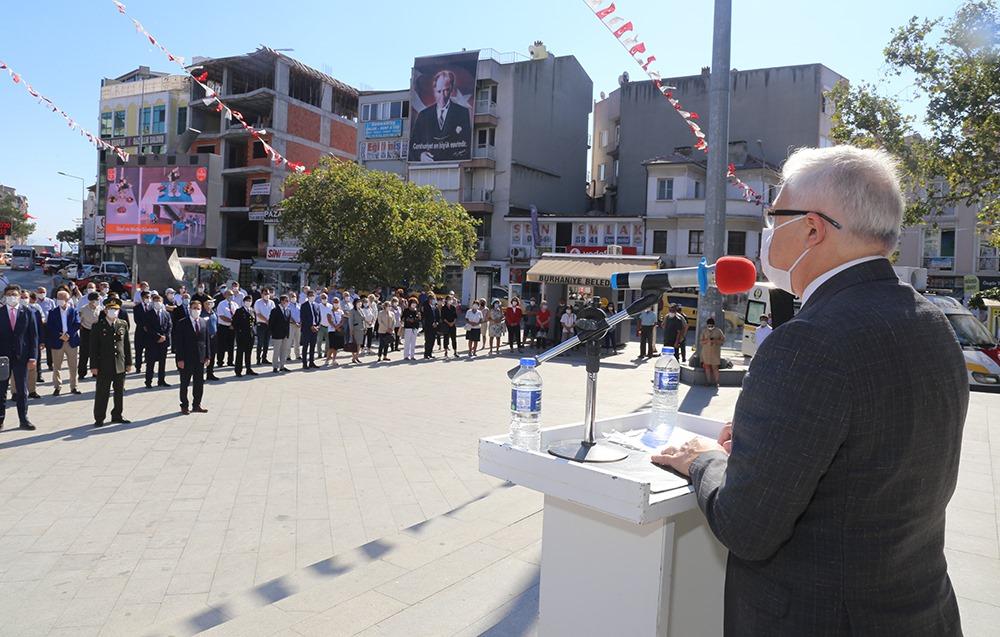 8 Eylül Burhaniye'de Kutlandı