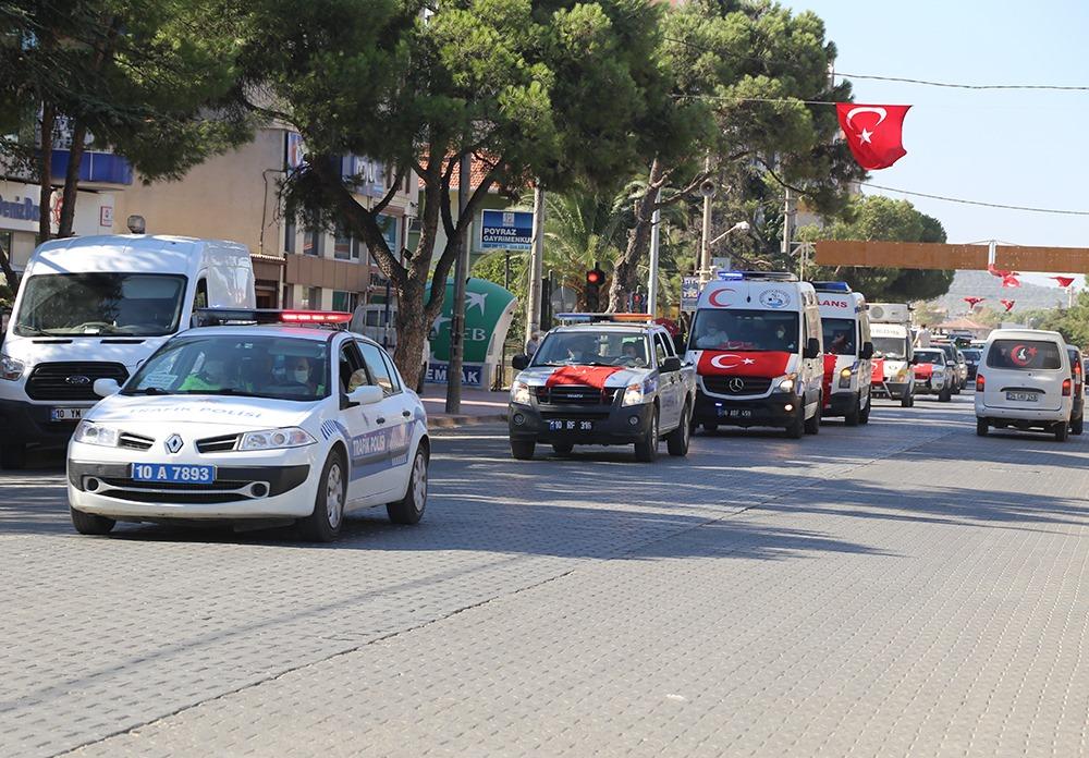 8 Eylül'de Araçlar Burhaniye'yi Turladı