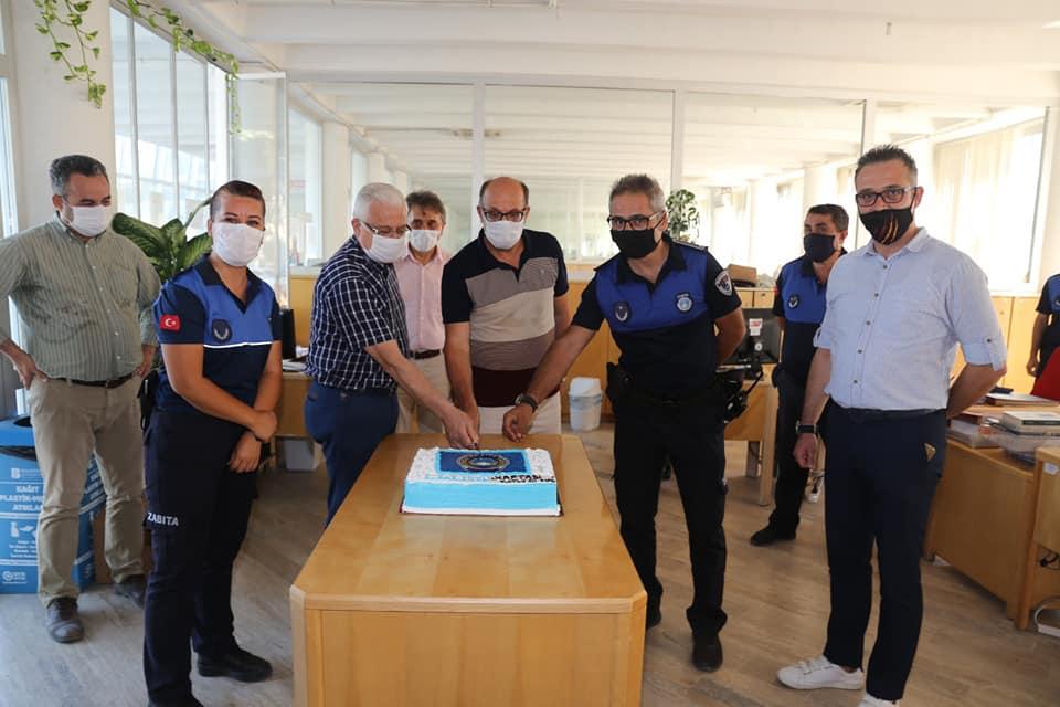 Başkan Deveciler Zabıta Haftasını Pasta Keserek Kutladı
