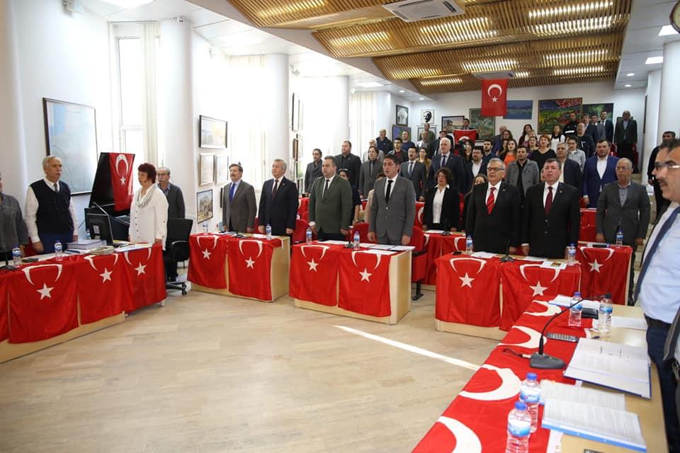 Burhaniye Belediye Meclisinden Şehitler İçin Anma