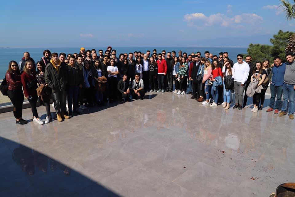Burhaniye Belediyesinden Üniversite Öğrencilerine Müjde !