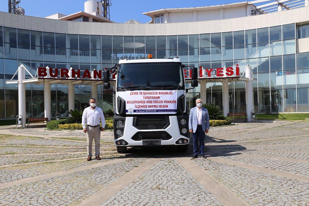 Burhaniye Belediyesi Araç Filosu Güçleniyor