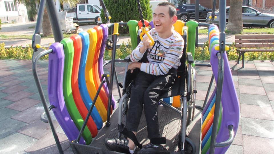 Burhaniye'de Engeller Kalkıyor